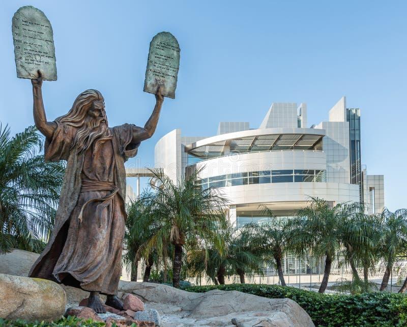 Statua di Mosè alla cattedrale di Cristo nel boschetto del giardino, California immagini stock libere da diritti