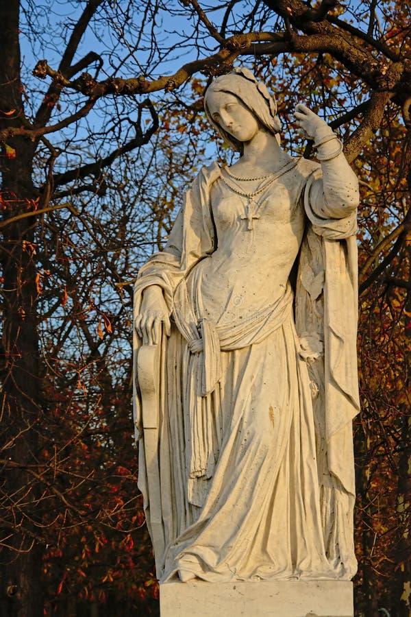 Statua di pietra di Clemence Isaura da Auguste Preault, nel giardino di Luxembourgh, Parigi fotografia stock