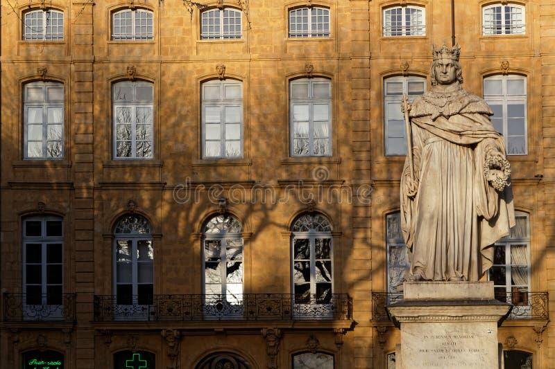 Statua di re Rene su Cours Mirabeau fotografie stock