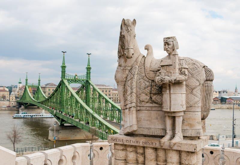 Statua di re Saint Stephen a Budapest Ungheria fotografia stock libera da diritti