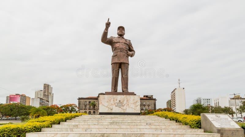 Statua di Samora Moisés Machel al quadrato di indipendenza fotografia stock libera da diritti