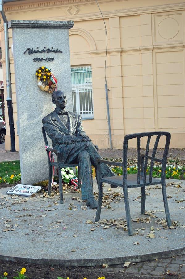 Statua di Sandor Marai a Kosice Slovacchia immagini stock