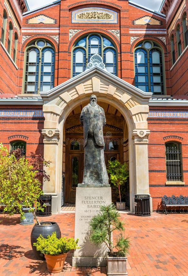 Statua di Spencer Fullerton Baird ai musei di Smithsonian a Washington, D C fotografie stock libere da diritti