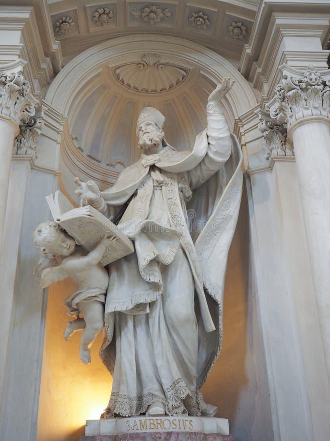 Statua di St Ambrose in Venaria immagini stock