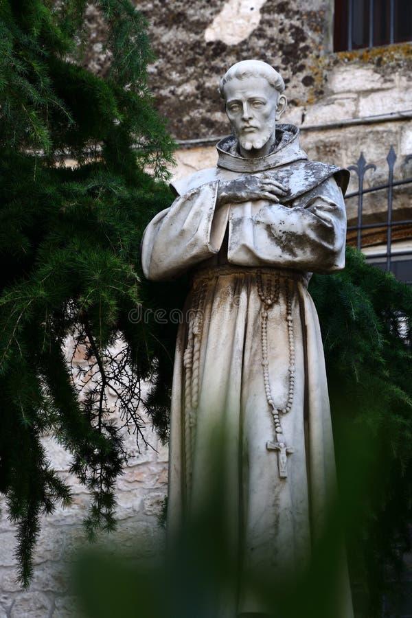 Statua di St Francis di Assisi, Ostuni, Italia fotografia stock libera da diritti