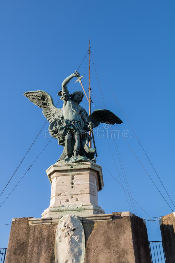 Statua di St Michael fotografia stock libera da diritti