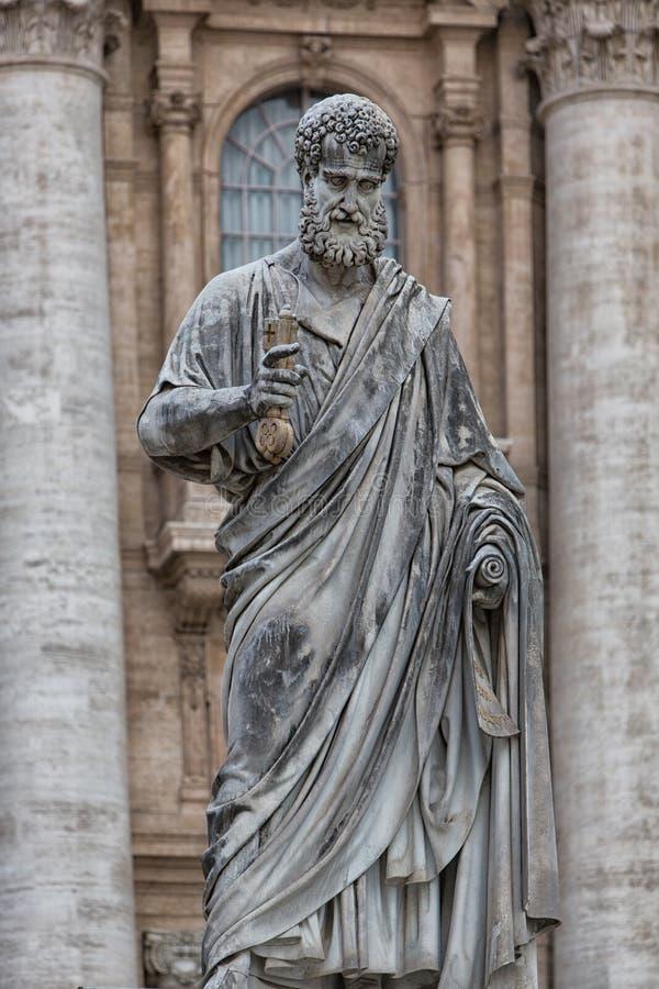 Statua di St Peter al quadrato del ` s di St Peter fotografia stock libera da diritti