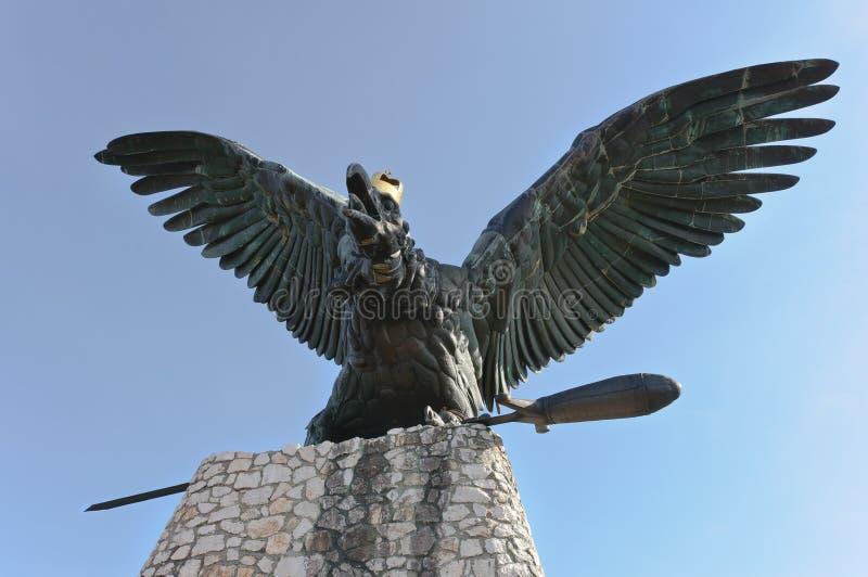 Statua di Turul di Tatabanya fotografia stock libera da diritti