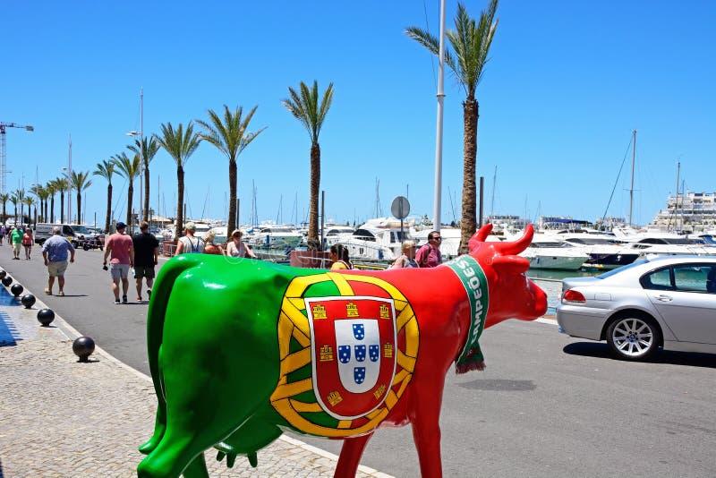 Statua dipinta del toro, Vilamoura immagini stock libere da diritti