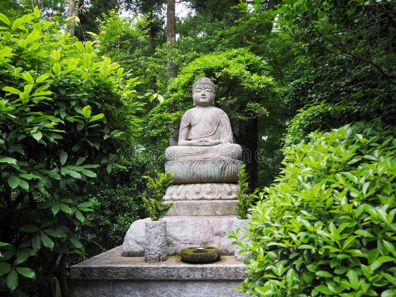 Statua dorata di Buddha del palazzo di Kyoto immagini stock