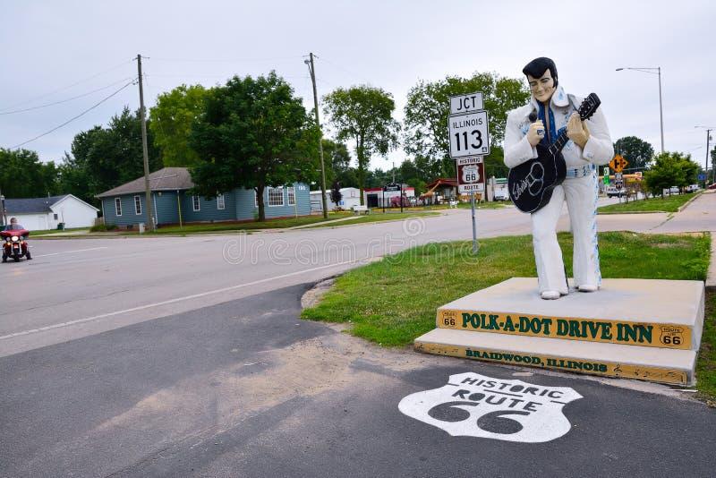 Statua Elvis Presley przy kropką obraz royalty free