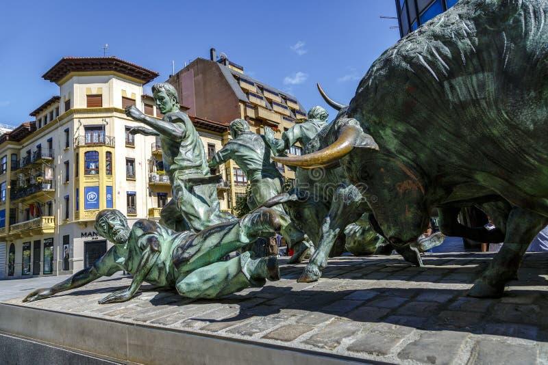 Statua Encierros w Pamplona Hiszpania fotografia stock