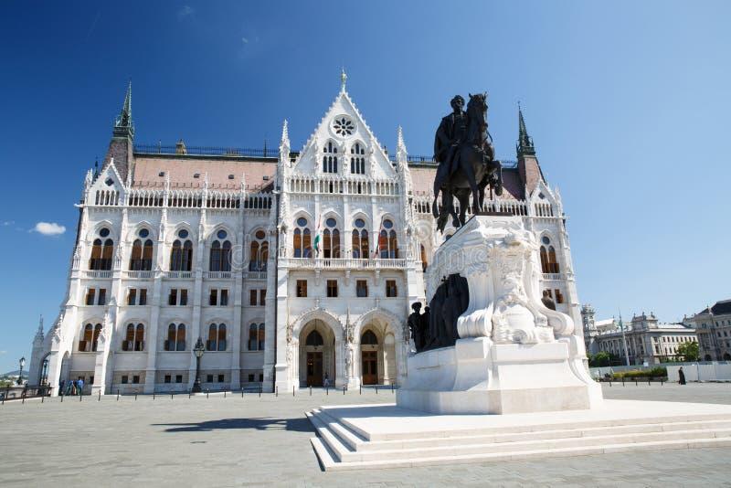 Statua equestre bronzea del conteggio Gyula Andrassy accanto a Hungari fotografie stock libere da diritti