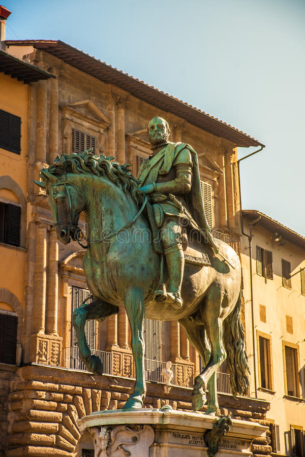 Statua equestre di Cosimo de 'Medici a Firenze immagini stock