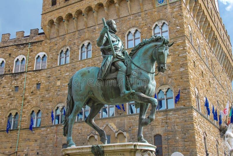 Statua equestre di Cosimo de 'Medici Firenze, Italia fotografie stock libere da diritti