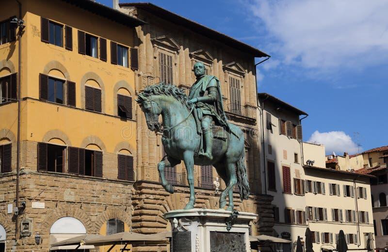 Statua equestre di Cosimo I a Firenze, Italia immagini stock libere da diritti