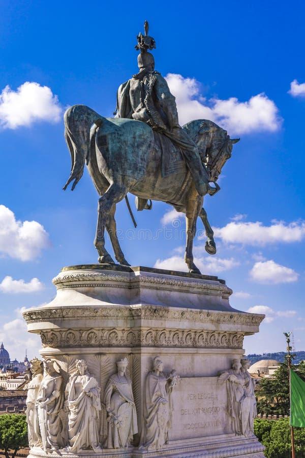 Statua equestre di Vittorio Emanuele II su Vittoriano Altar o immagini stock libere da diritti