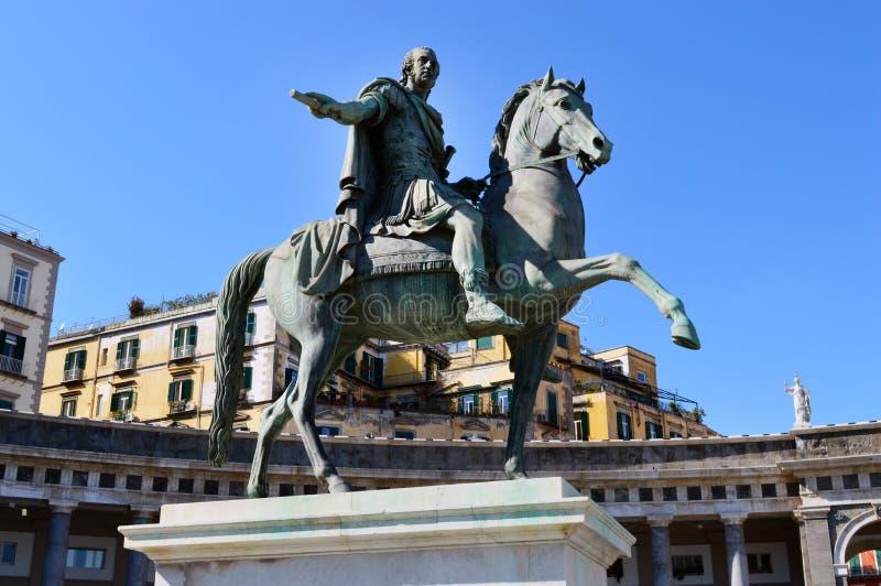 Statua Ferdinand Ja w piazza Del Plebiscito, Naples zdjęcia royalty free