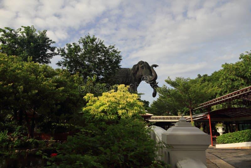 Statua gigante dell'elefante immagine stock libera da diritti