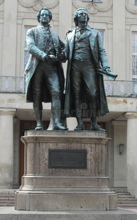 Statua Goethe i Schiller w Weimar obrazy royalty free