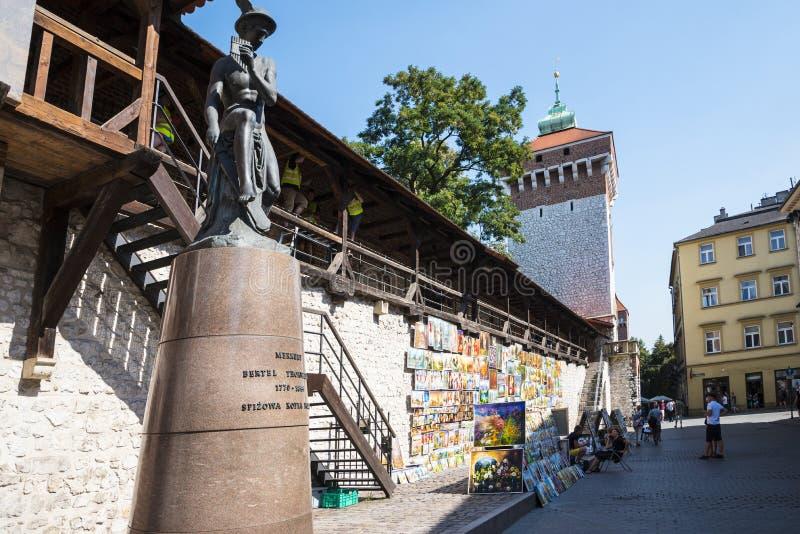 Statua Hermes przy Florian bramą jeden miasto bramy w Krakow Polska fotografia stock
