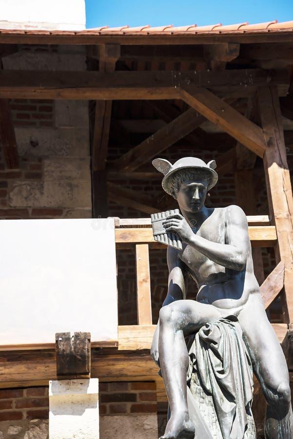 Statua Hermes przy Florian bramą jeden miasto bramy w Krakow Polska zdjęcia stock