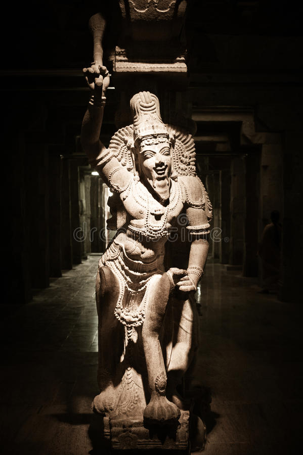 Statua Indiański bóg przy Hinduską świątynią indu zdjęcia stock