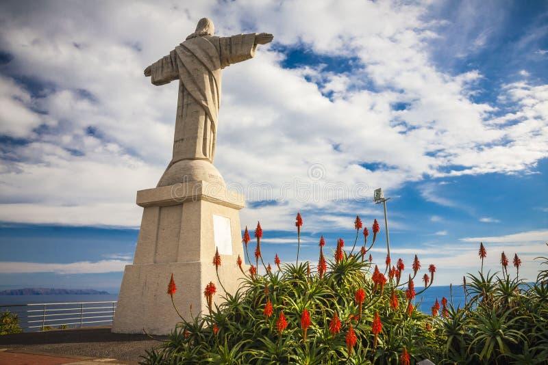 Statua jezus chrystus przy Garajau w Funchal z zadziwiającym areal widokiem, madera obraz stock