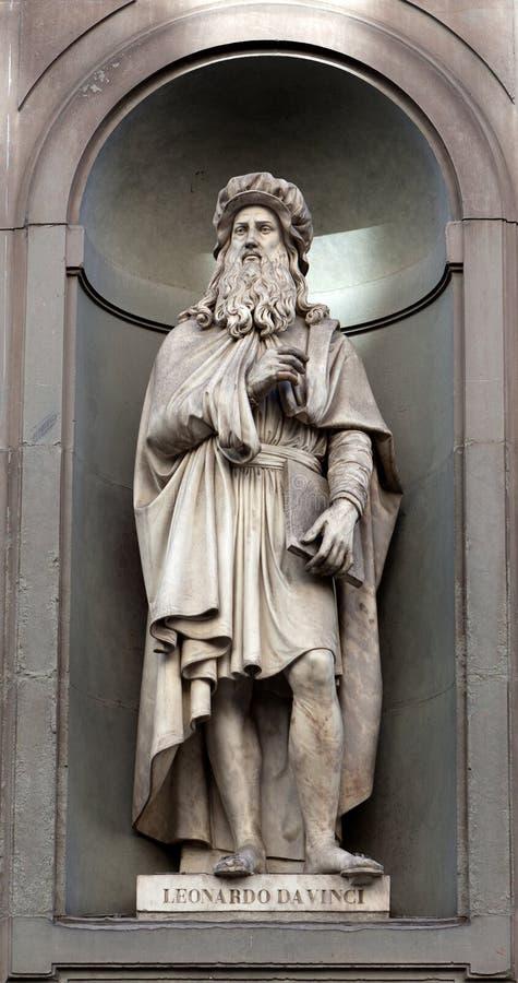 Statua Leonardo Da Vinci, Uffizi, Florencja, Włochy obrazy royalty free