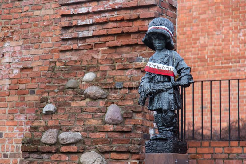 Statua Mały powstaniec w Warszawa zdjęcie royalty free
