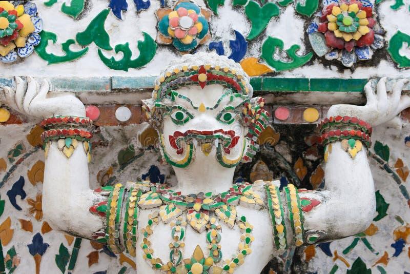Statua mitologica del coccodrillo a Wat Arun immagini stock libere da diritti