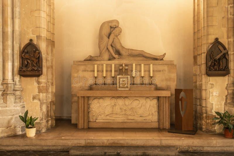 Statua morta di Gesù in san Eloi Church, Dunkerque Francia fotografia stock libera da diritti