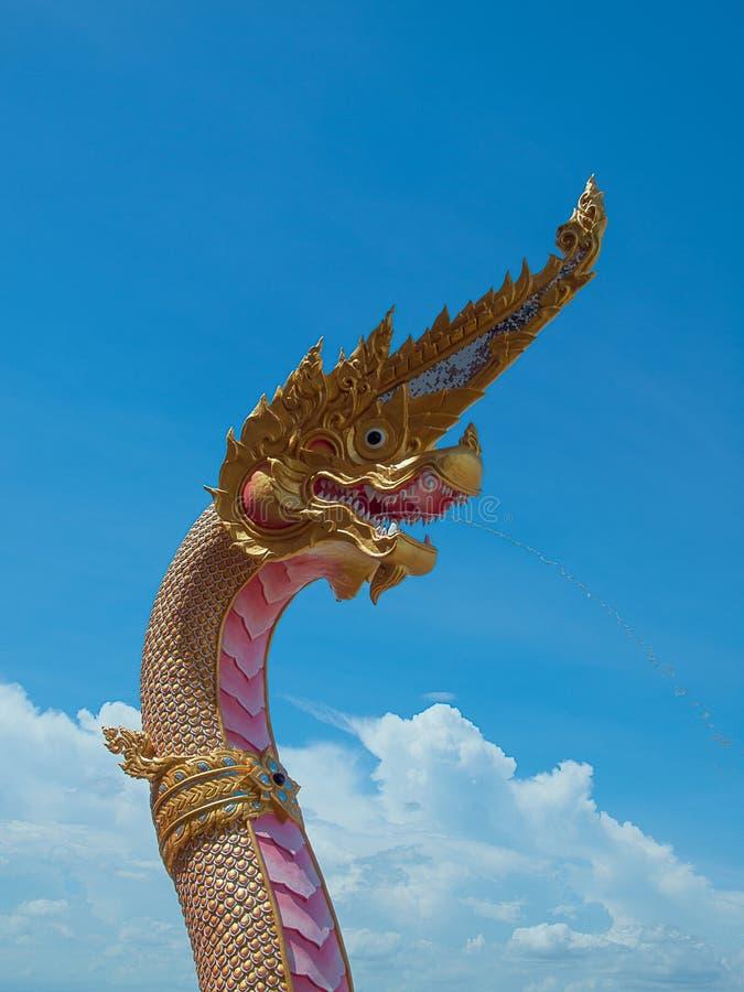 Statua Naga w Wacie w Tajlandia zdjęcie stock