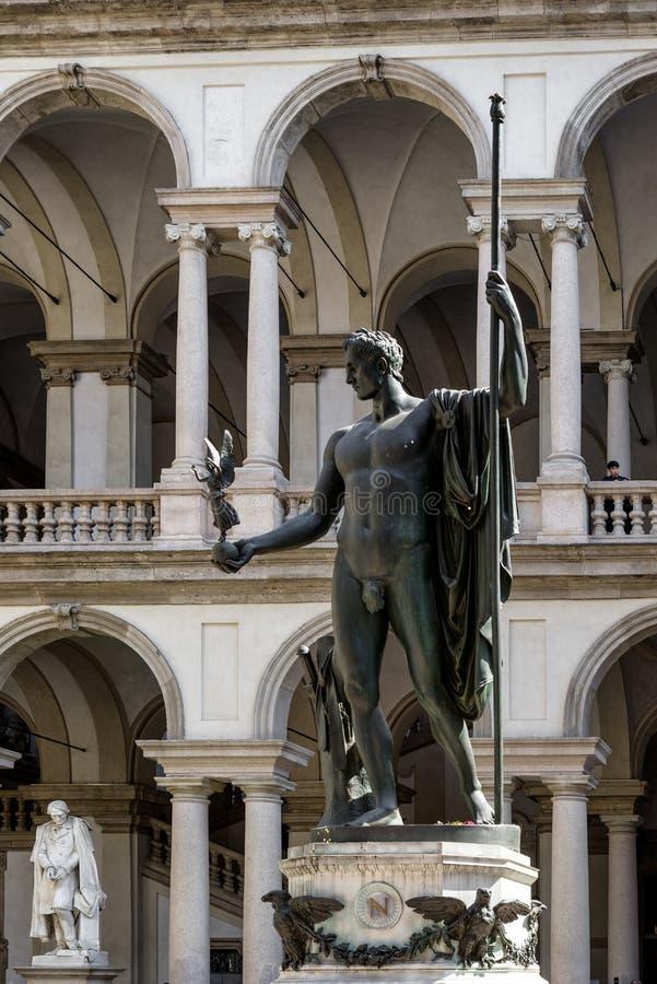 Statua Napoleon w Pinacoteca Di Brera w Milao zdjęcia stock