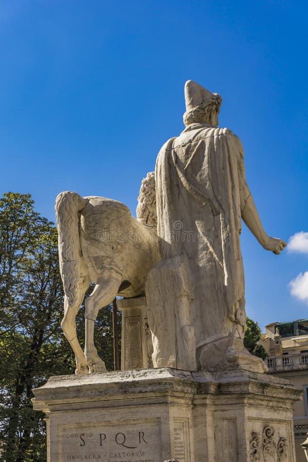 Statua Pollux z koniem przy Kapitolińskim wzgórzem w Rzym fotografia stock