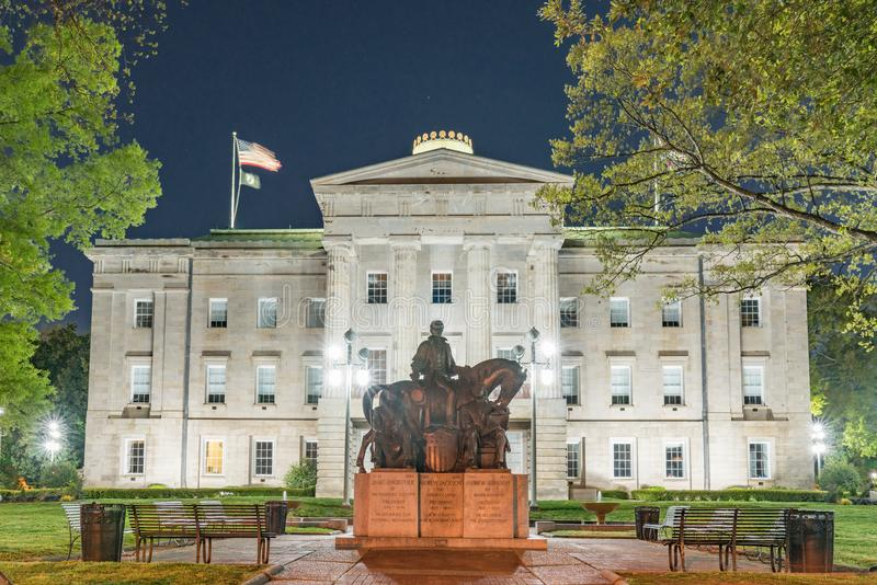 Statua presidenziale a Carolina Capitol Building del nord a Ni fotografie stock