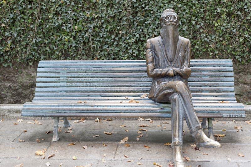 Statua Ramon Maria del Valle Inclan w Alameda parku, Santiago obraz stock