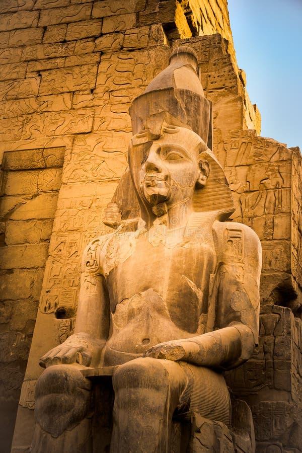 Statua Ramses II przy Luxor świątynią obraz stock