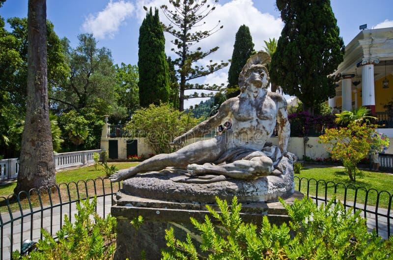 Statua Ranny Achilles, Corfu, Grecja zdjęcia stock