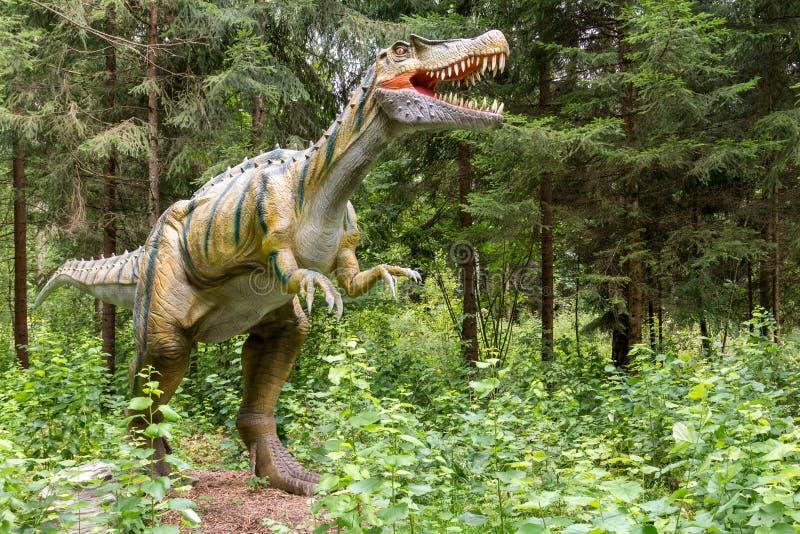 Statua realistyczny prehistoryczny dinosaur obraz stock