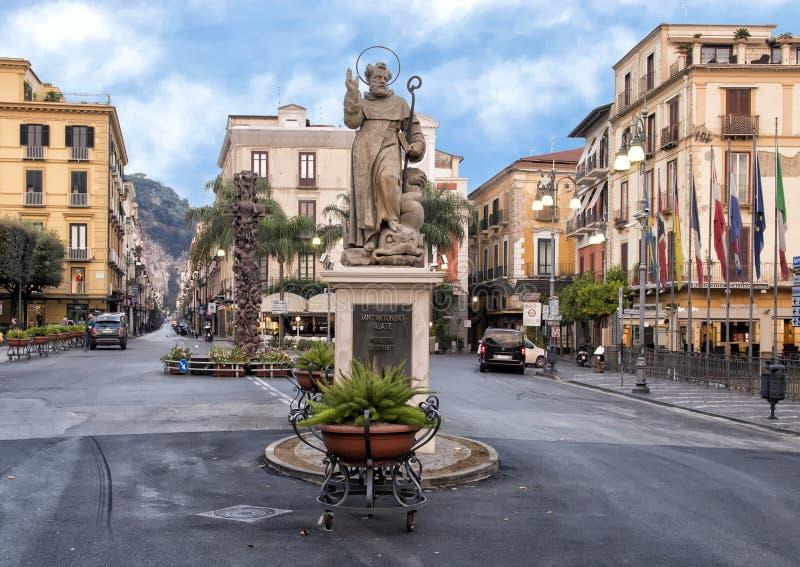 Statua S Antonino Abbate, patron Sorrento, Włochy zdjęcie royalty free