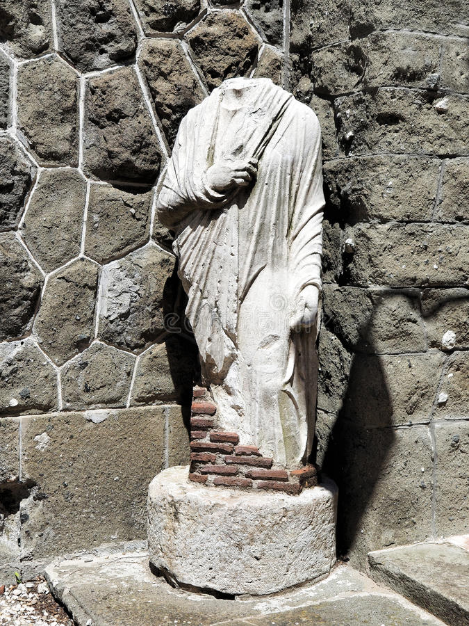 Statua senza testa fotografia stock