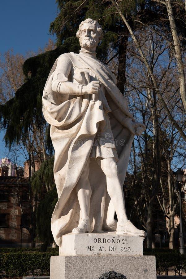 Statua spagnola classica nel centro urbano Madrid Spagna immagine stock