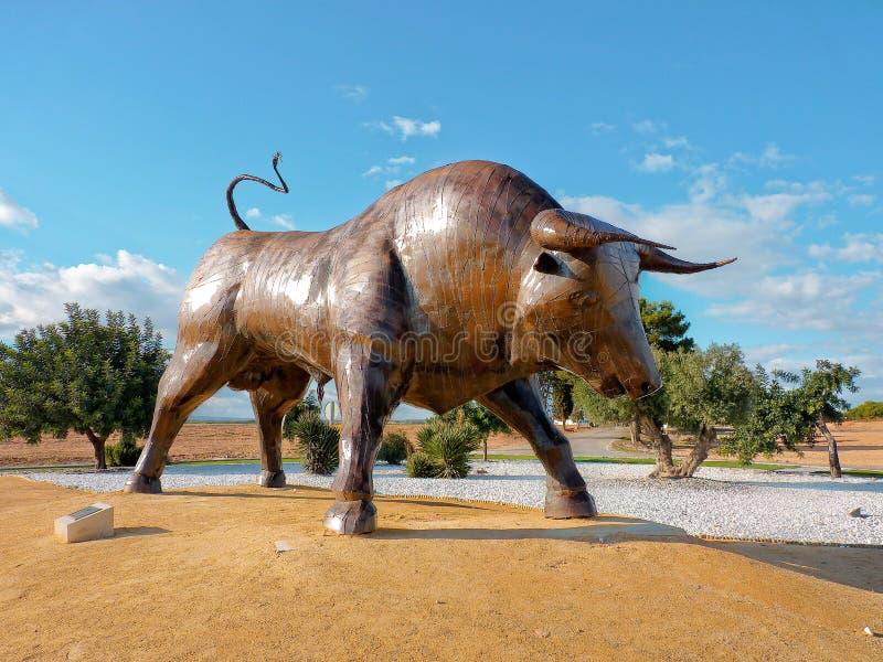 Statua spagnola del toro fotografia stock