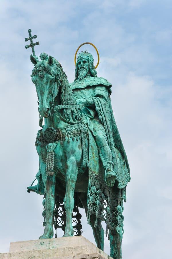 Statua St Stephen przy rybaka bastionem Budapest Węgry zdjęcia royalty free