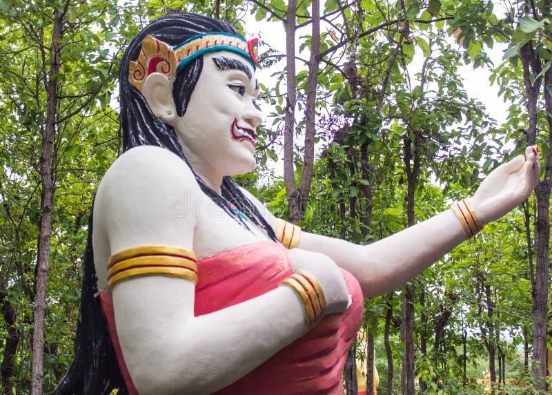 Statua tailandese del gigante della donna fotografia stock