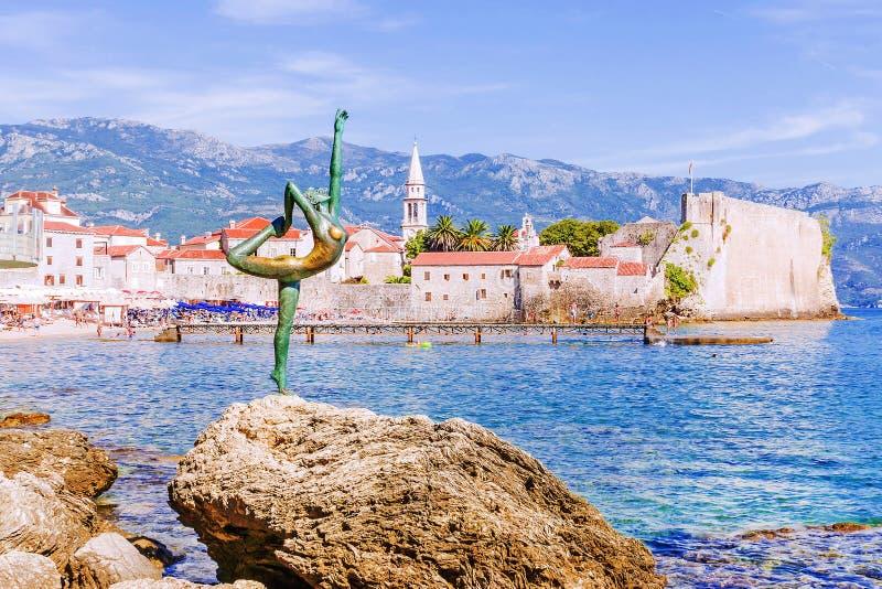 Statua tancerz w Budva, Montenegro obraz royalty free