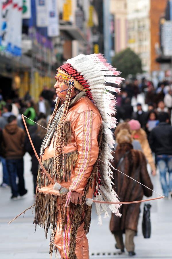 Statua vivente indiana del nativo americano a Madrid Spagna fotografia stock libera da diritti