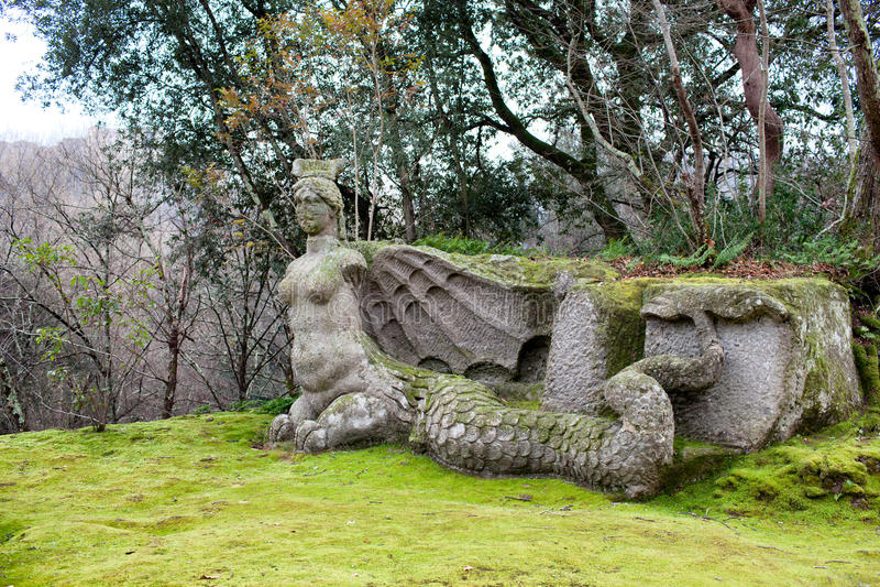 Statua wściekłość park potwory, Bomarzo, Włochy fotografia stock