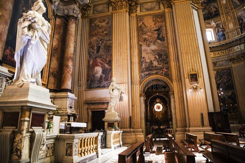 Statua w Oszałamiająco kościół St Andreas w Rzym Włochy fotografia royalty free